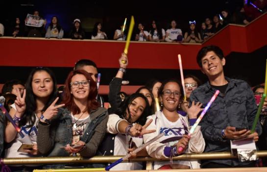 Increíble presentación del grupo coreano 'KARD' en el Teatro Royal Center, una de las bandas con más furor del momento.