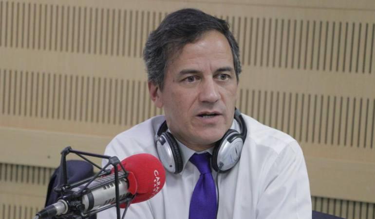 HORA 20: Gobierno deberá darse la pela y pagar déficit del sistema de salud: Nieto