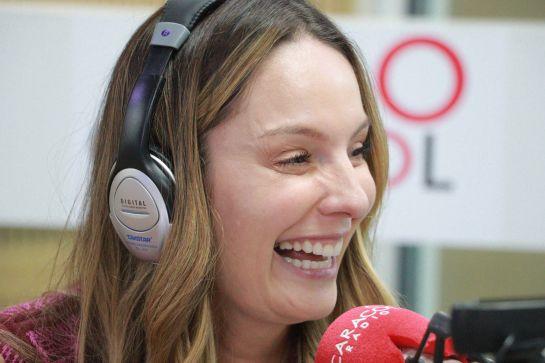 Claudia Bahamón debuta como diseñadora con materiales reciclables