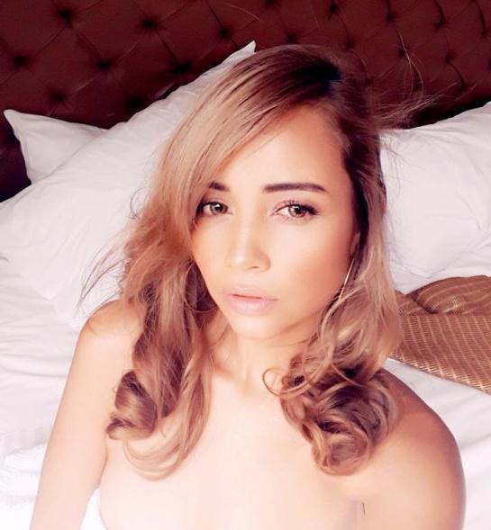modelo webcam: Del convento a modelo webcam