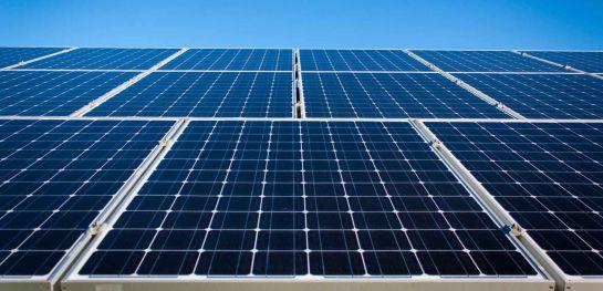 Plantas fotovoltaicas: Paneles solares, una apuesta de la Universidad El Bosque