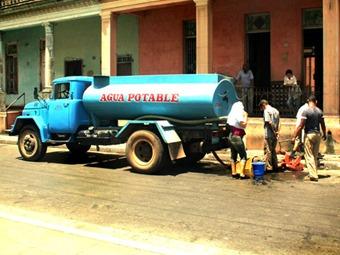 La mitad de Colombia tiene problemas de abastecimiento de agua potable: Defensoría