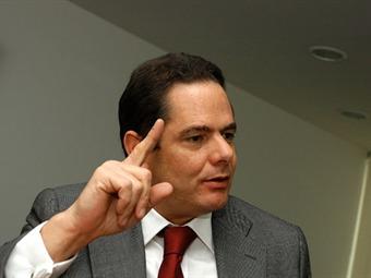 Vargas Lleras desmiente reunión con el presidente Uribe