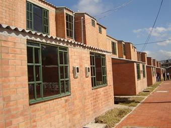 Gobierno Nacional aumentará subsidios de vivienda para desplazados
