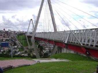 Siguen los suicidios en el viaducto de Pereira
