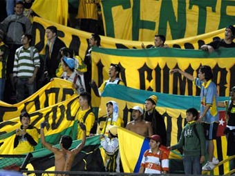 Hinchas del Bucaramanga advierten pelea inminente con aficionados de Atlético Nacional