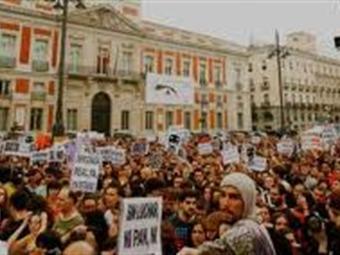 """Miles protagonizan las marchas de los """"indignados"""" que comenzaron en Asia y Oceanía"""