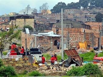 Petro denuncia que cartel de 'Los Tierreros' está detrás de urbanizaciones piratas en Bogotá