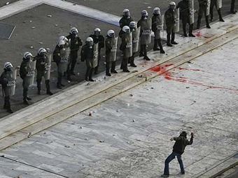 Cien heridos y 50 detenidos tras disturbios en Grecia