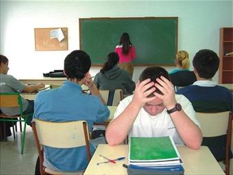 Gobierno planteará nueva política contra el matoneo escolar