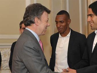 Presidente Santos recibe en Casa de Nariño al Atlético de Madrid