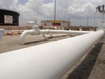 Venezuela dice que oleoducto con Colombia transportará 500.000 barriles día