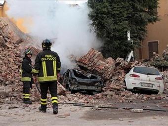 Protección Civil ayuda a 4.500 evacuados tras el terremoto en Italia