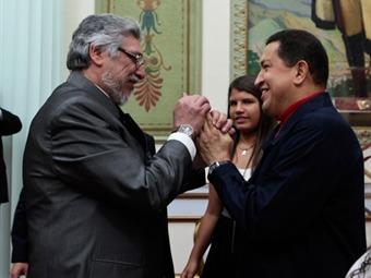 Chávez ordena el retiro del embajador y suspende envío de petróleo a Paraguay