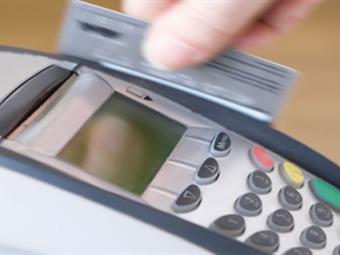 Aumenta el interés para los compras con tarjetas de crédito durante los próximos tres meses