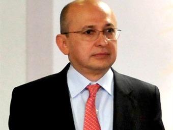 Fiscal Montealegre viaja a Washington en visita oficial