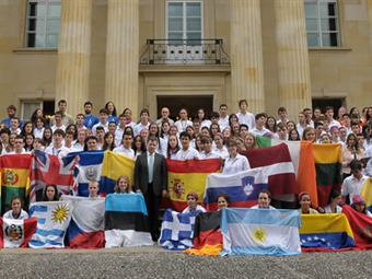 Gobierno nombra 'embajadores' a 230 jóvenes expedicionarios