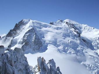 Mueren seis personas por alud de nieve en el Mont Blanc, Francia
