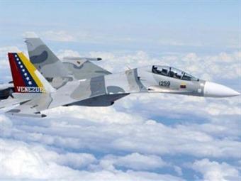 Chávez estudia la compra de aviones rusos para fortalecer defensa de Venezuela