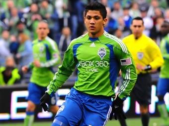 Freddy Montero marca los goles de Seattle ante Chelsea en amistoso