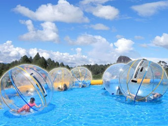 Superindustria ordena suspender producción y comercialización de esferas acuáticas