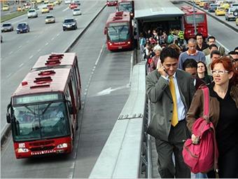 Se incrementa en un 10 por ciento la demanda de pasajeros en Transmilenio en horas valle