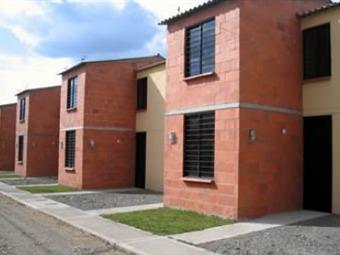 28 municipios de Antioquia se beneficiarán con programa de viviendas gratis