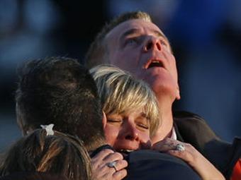 Revelan nombres de víctimas de masacre en Connecticut, la mayoría de 6 años de edad