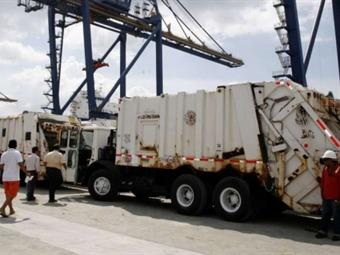 Alcalde Petro afirma que alquiler de camiones compactadores vía internet no es criticable