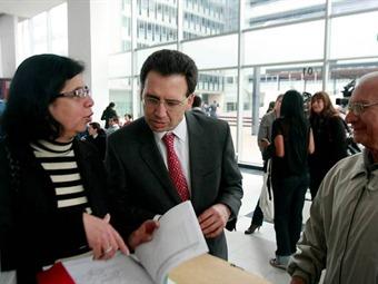 Comienza bancarización de hogares del programa más familias en acción en Medellín