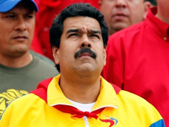 Decreto de honores a Chávez el primero firmado por Maduro como presidente encargado