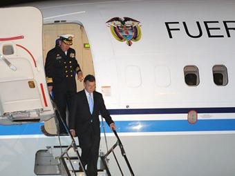 Presidente Santos llega a Londres para hablar de pobreza y economía