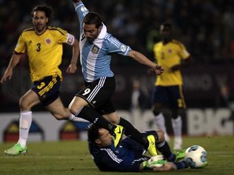 David Ospina, el jugador del partido en el Monumental