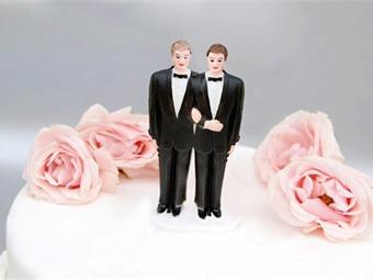 Juez aplica norma del matrimonio civil a pareja gay y cita a contrayentes con dos testigos