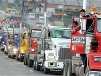 Camioneros confirman que irán al paro y presentarán pliego al Gobierno