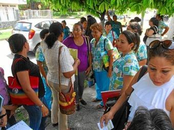 Mesa con madres comunitarias: acabar con la informalidad