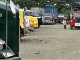 Mesa de los camioneros: discute baja en precios de combustibles