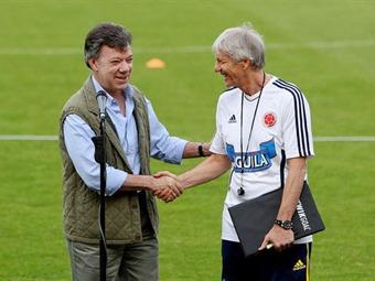 Pékerman podrá tener la nacionalidad colombiana cuando quiera: Santos