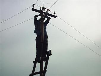 Hombre que robaba cables dejó sin energía dos empresas en Barranquilla