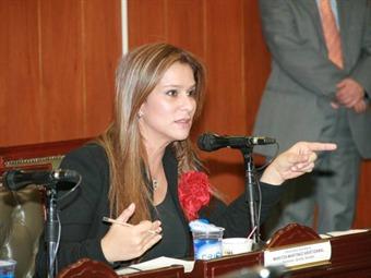 Congresista defiende a Andrés Jaramillo