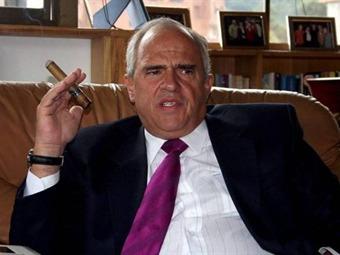 Samper no viajará a funerales de Mandela