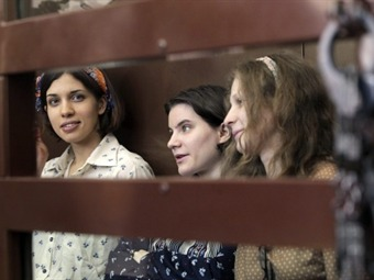 Las Pussy Riot Aliójina y Nadezhda Tolokónnikova salen en libertad