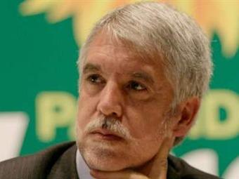 Enrique Peñalosa sugiere a electores pedir tarjetón de consulta