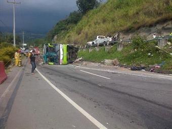 """""""El bus nos expulsó por las ventanas"""": víctima de accidente en Fusagasugá"""