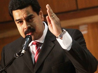 Maduro refuerza militares en Táchira con batallón paracaidista