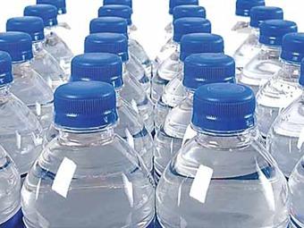 San Francisco prohíbe la venta de agua en botellas