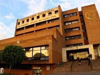 CNE certificará el martes triunfo de Peñalosa en consulta Verde