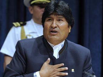 Evo dice que le robaron réplica de espada de Bolívar regalada por Chávez