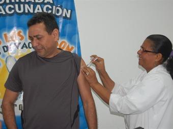Cartagena adelanta intensa campaña de vacunación para viajeros a Brasil