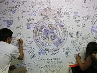 Hinchas de Millonarios se despidieron de Di Stéfano en Madrid